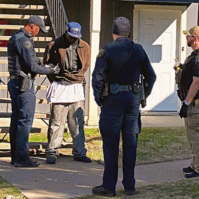 Security officers make arrest at apartment complex